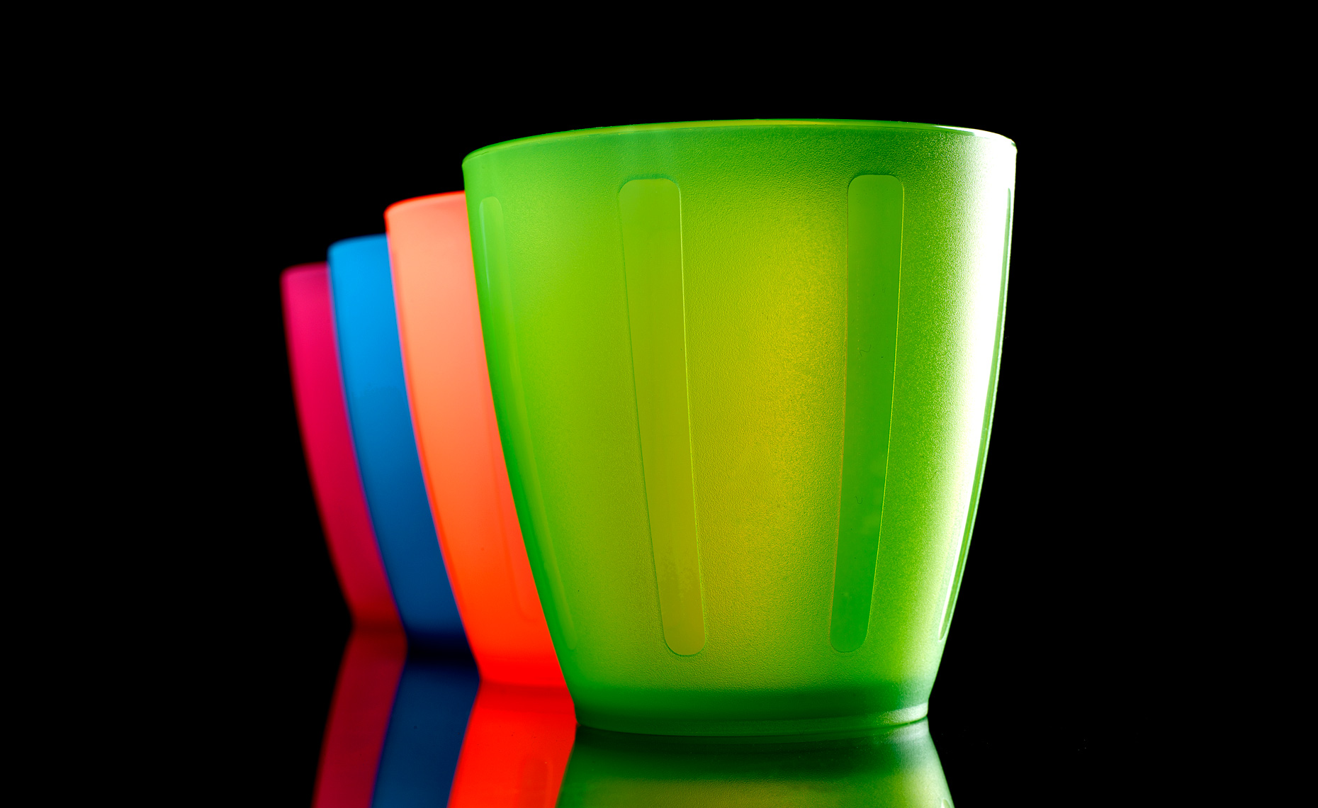 COLORED-CUPS